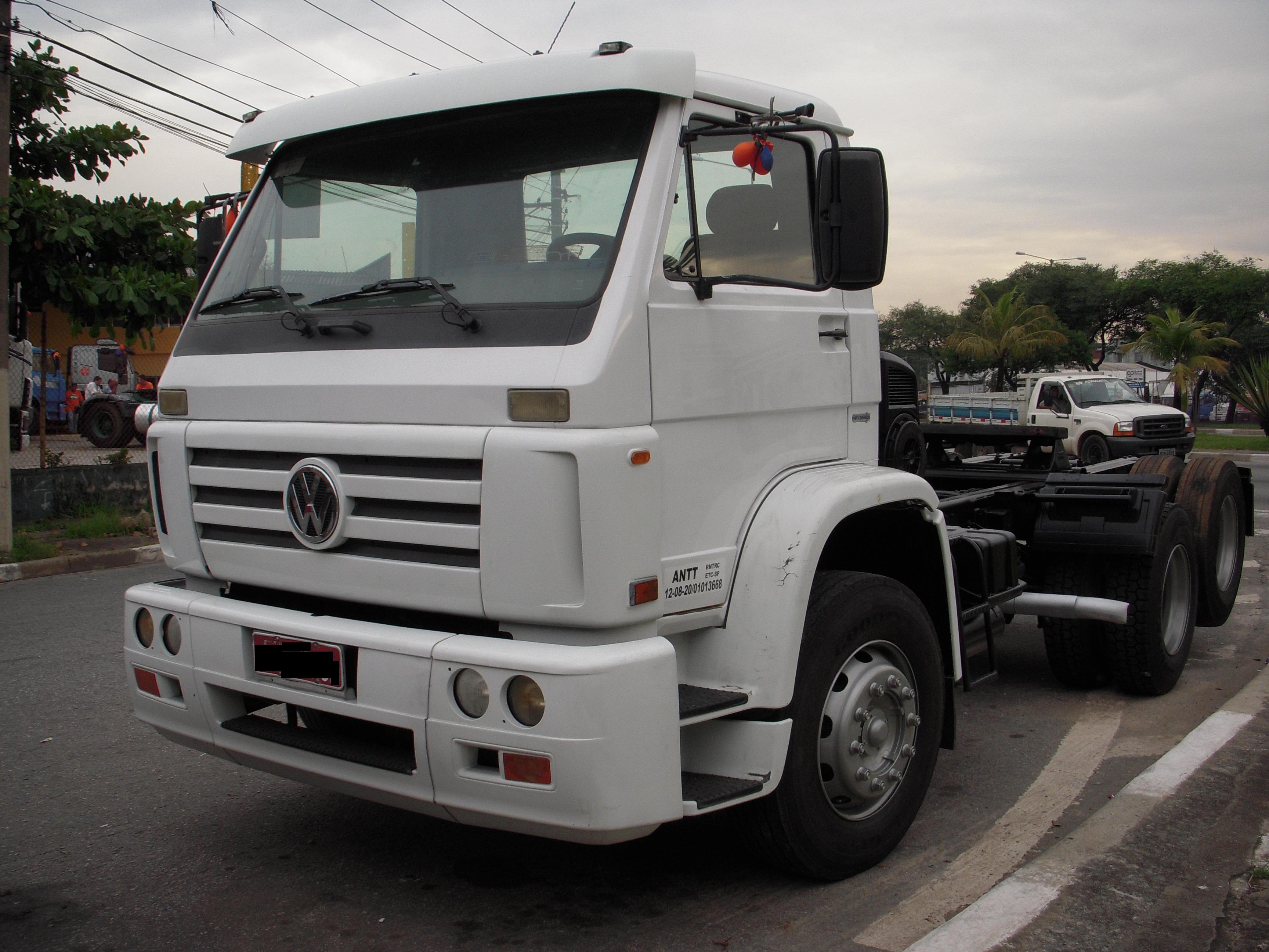 VW 18310 TITAN